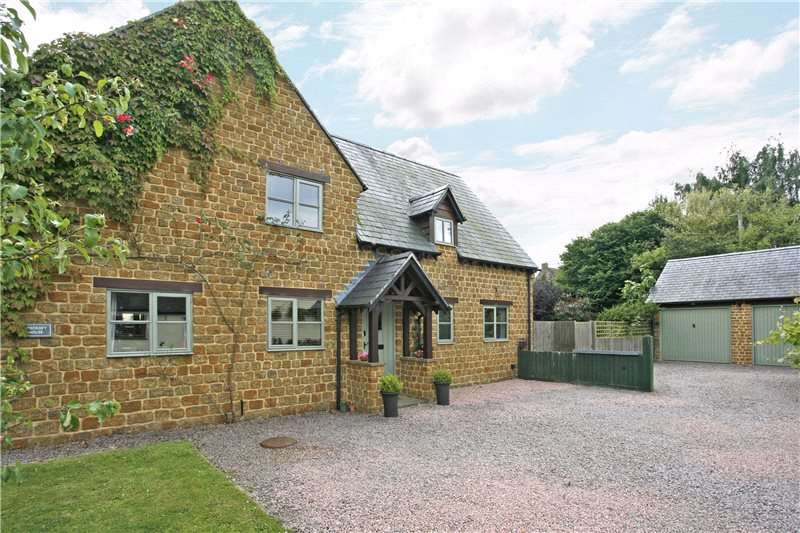 4 Bedrooms Detached House for sale in Burdrop, Banbury, Oxfordshire, OX15