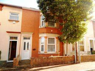 4 Bedrooms Terraced House for sale in Alexandra Road, Sheerness, Kent, Uk