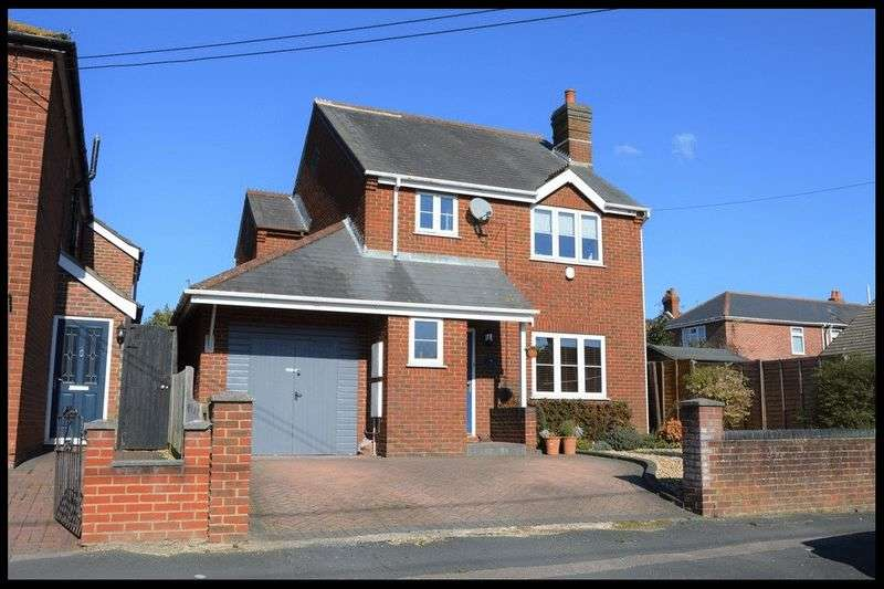 4 Bedrooms Detached House for sale in Downs Park Avenue, Eling