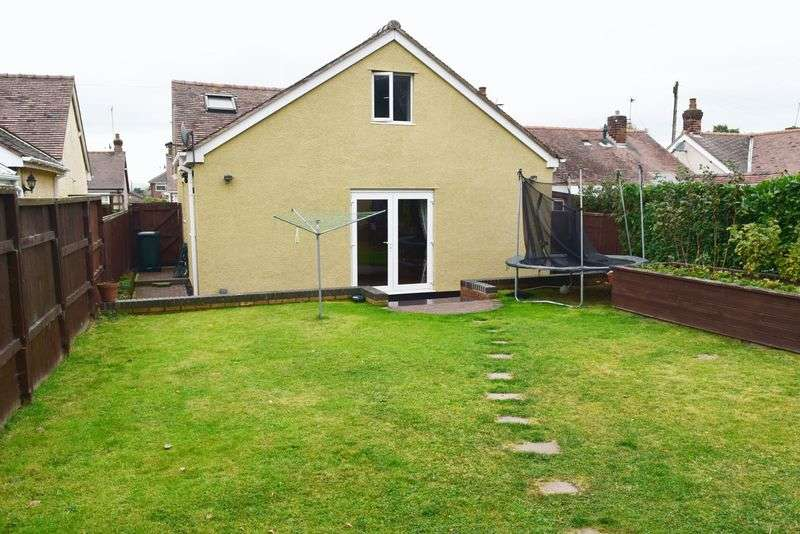 3 Bedrooms Detached Bungalow for sale in Woodside Road, Chester