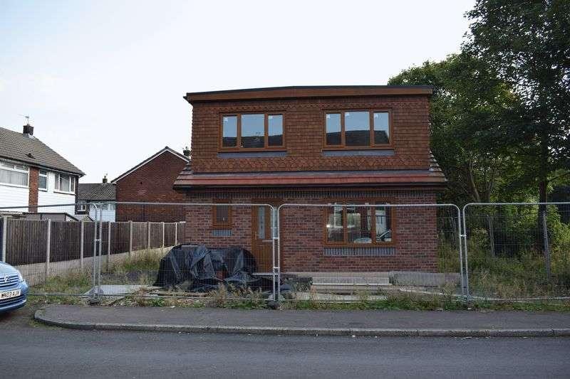 2 Bedrooms Detached Bungalow for sale in Leaver Street, Heywood
