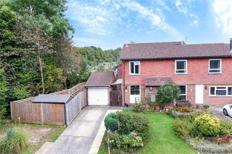 3 Bedrooms Semi Detached House for sale in Old Hatch Warren, BASINGSTOKE