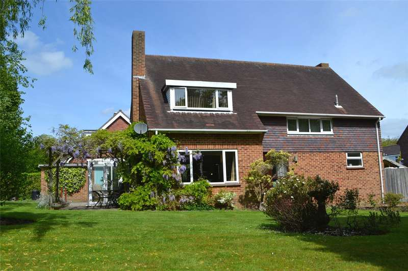 4 Bedrooms Detached House for sale in Rookes Lane, Lymington, Hampshire, SO41
