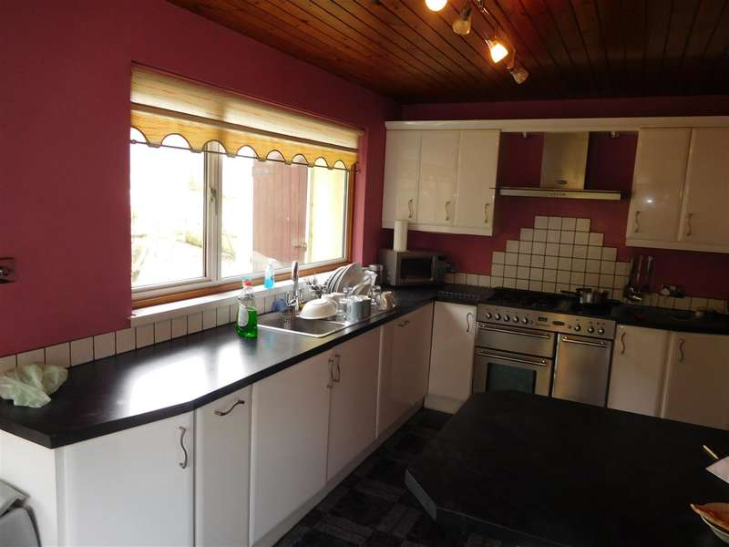 3 Bedrooms Property for sale in Fairwater Grove East, Llandaff, Cardiff