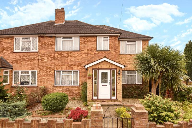 4 Bedrooms Semi Detached House for sale in Daleham Drive, Hillingdon, Middlesex, UB8