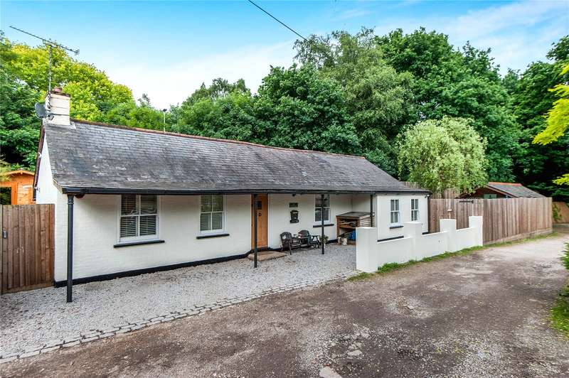 3 Bedrooms Detached Bungalow for sale in High Street, Sandhurst, Berkshire, GU47