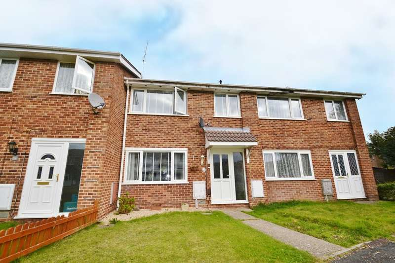 3 Bedrooms Semi Detached House for sale in Boyatt Wood