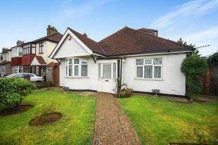 4 Bedrooms Bungalow for sale in Limpsfield Road, Sanderstead, South Croydon, .