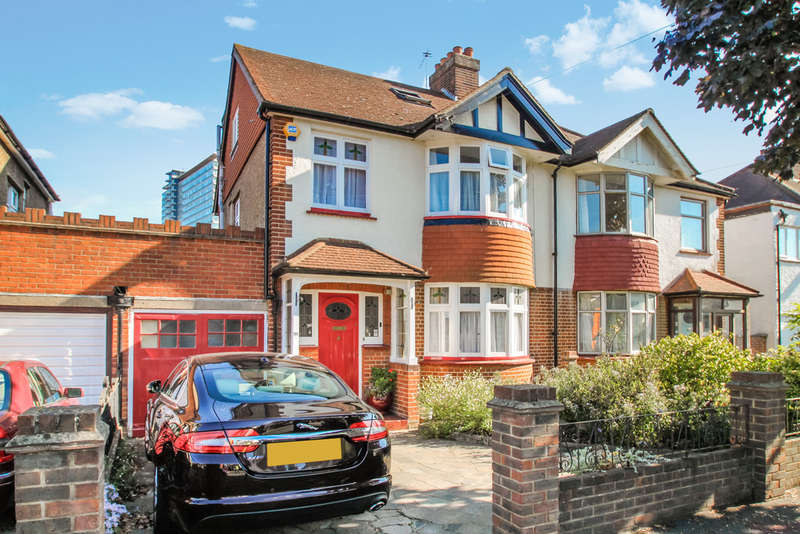 4 Bedrooms Semi Detached House for sale in Oakleigh Avenue, Surbiton
