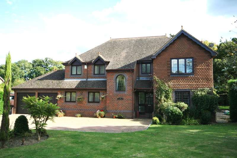 5 Bedrooms Detached House for sale in Billingshurst