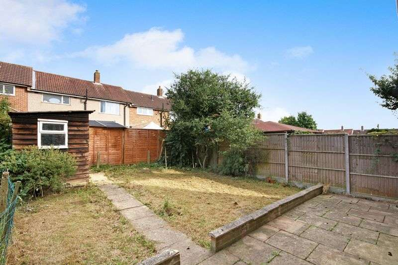 3 Bedrooms Terraced House for sale in Maurier Close, Northolt