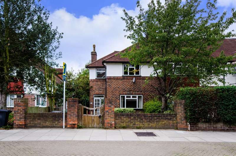 3 Bedrooms House for sale in Baring Road, Lee, SE12
