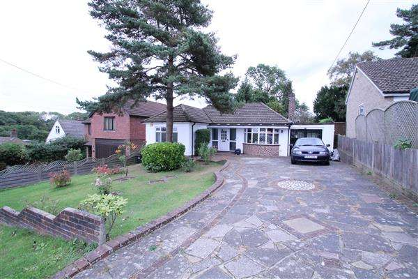 2 Bedrooms Detached House for sale in Keston Avenue