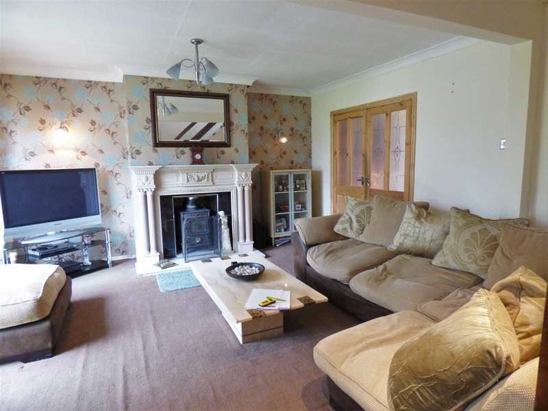 3 Bedrooms Semi Detached House for sale in Oxford Close, Padiham