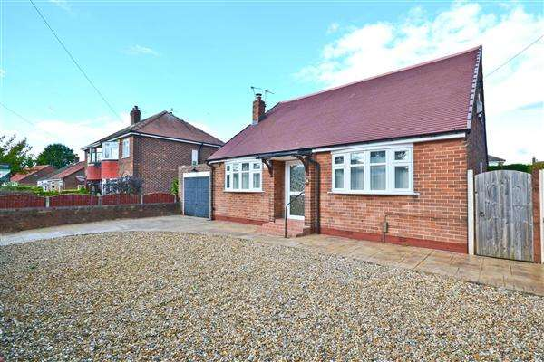 4 Bedrooms Detached Bungalow for sale in Clive Avenue, Warrington
