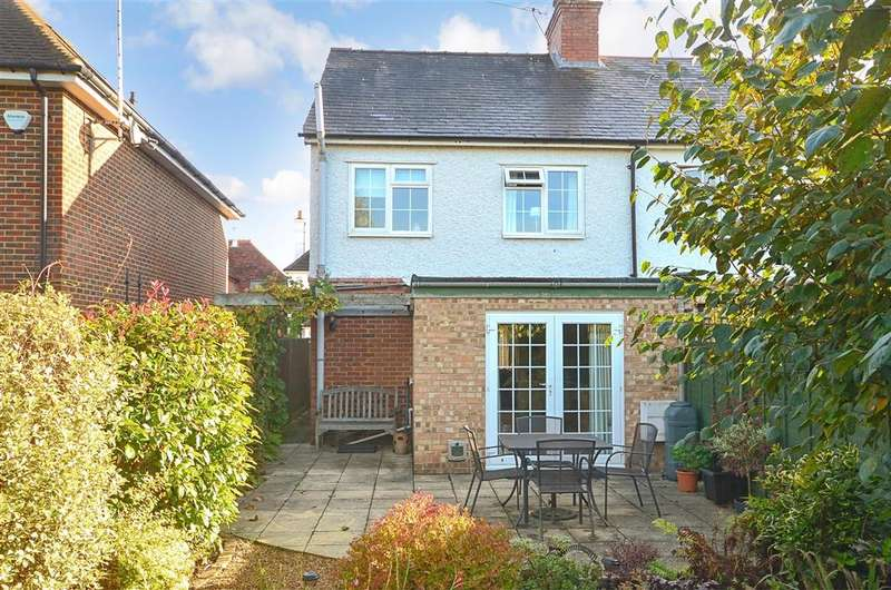 2 Bedrooms Semi Detached House for sale in Barton Road, Bramley, Guildford, Surrey
