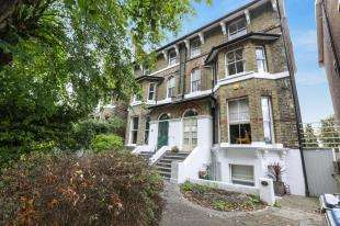 4 Bedrooms Flat for sale in Hervey Road, Eltham, Greenwich, London