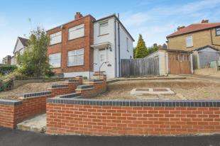 3 Bedrooms End Of Terrace House for sale in Warland Road, Plumstead Common, Plumstead
