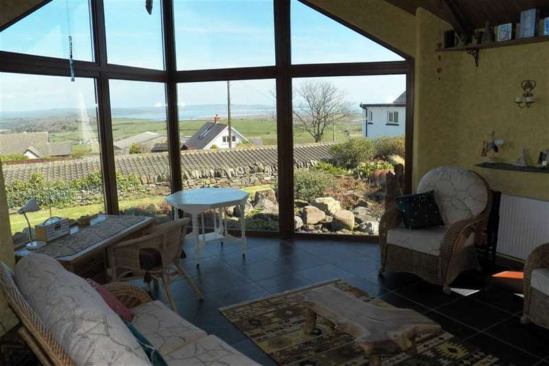 3 Bedrooms Property for sale in Llansadurnen, Laugharne