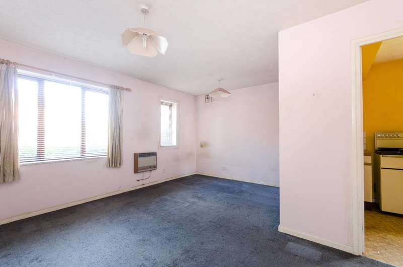 Studio Flat for sale in Campbell Close, Streatham Park, SW16