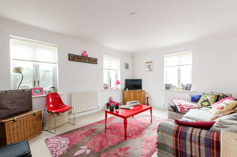 2 Bedrooms Flat for sale in Regency Mews, Oval, SW9