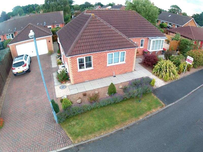 3 Bedrooms Detached Bungalow for sale in Manor Park, Louth