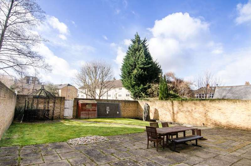 4 Bedrooms Detached House for sale in Oaklea Passage, Kingston upon Thames, KT1