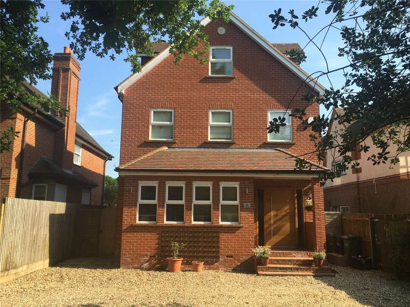 5 Bedrooms Detached House for sale in The Avenue, Tadworth, Surrey, KT20