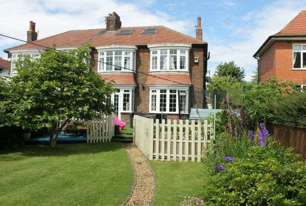 4 Bedrooms Semi Detached House for sale in 'Strathmore', West End, Guisborough