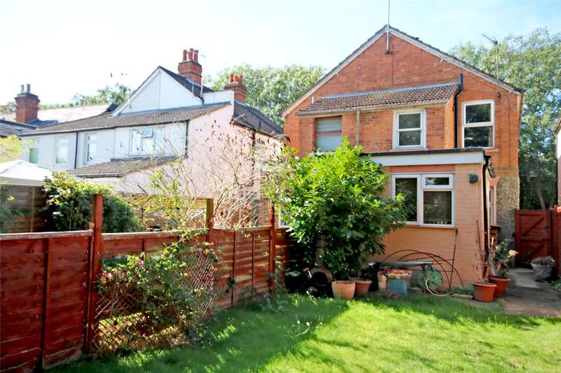 2 Bedrooms Semi Detached House for sale in Ongar Road, Addlestone, Surrey, KT15