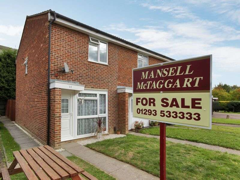 2 Bedrooms House for sale in Holmcroft, Southgate, Crawley, West Sussex