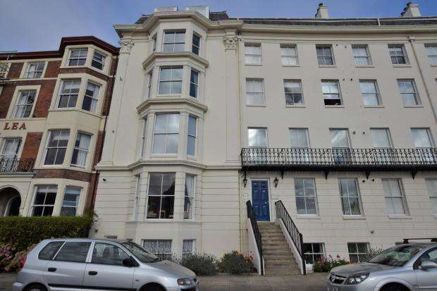 2 Bedrooms Apartment Flat for sale in Prince of Wales Terrace, Scarborough, North Yorkshire YO11 2AH