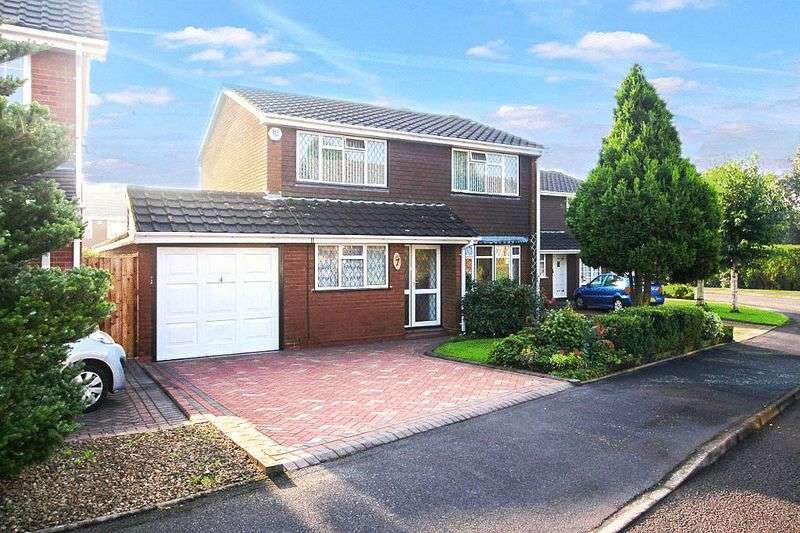 3 Bedrooms Detached House for sale in Sherringham Drive, Essington