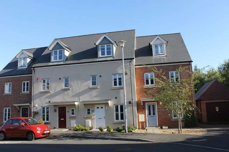 4 Bedrooms Terraced House for sale in Kings Croft, Long Ashton - Bristol