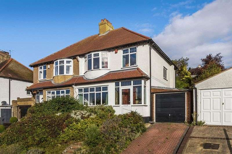 3 Bedrooms Semi Detached House for sale in St Andrews Road, COULSDON, Surrey
