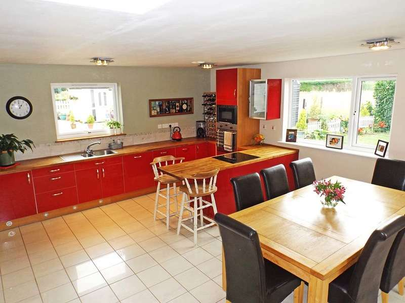8 Bedrooms Cottage House for sale in Little London Lane, Northwold, Norfolk, IP26