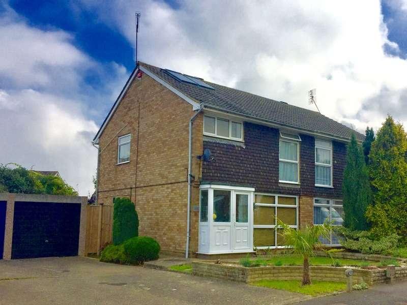 3 Bedrooms Semi Detached House for sale in Molescroft Way, Tonbridge, Kent, TN9