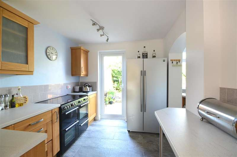 3 Bedrooms Semi Detached House for sale in Westergate Street, Westergate, Chichester, West Sussex