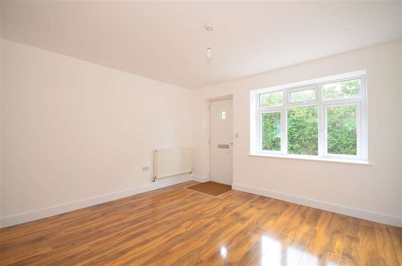 1 Bedroom Ground Flat for sale in Church Road, West Hanningfield, Chelmsford, Essex