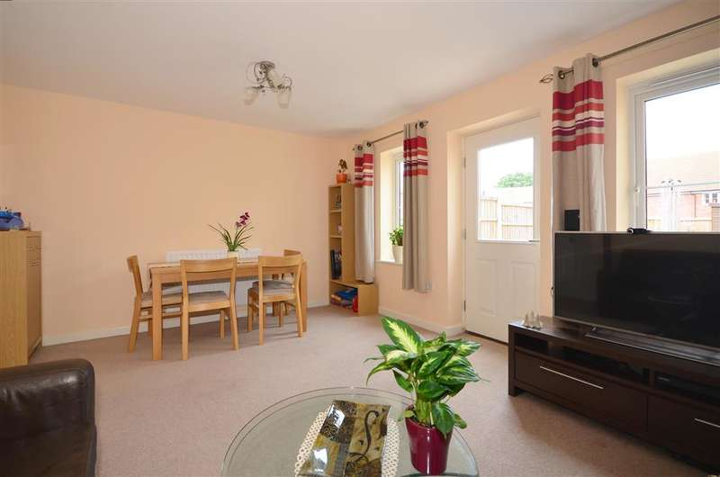 2 Bedrooms Terraced House for sale in Kings Wood Park, Epping, Essex