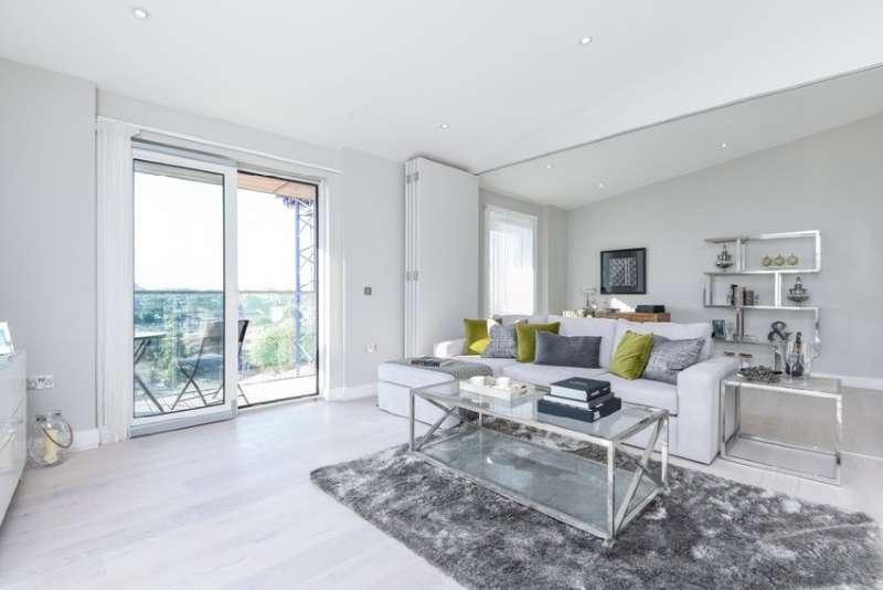 3 Bedrooms Flat for sale in Plough Road, Battersea, SW11