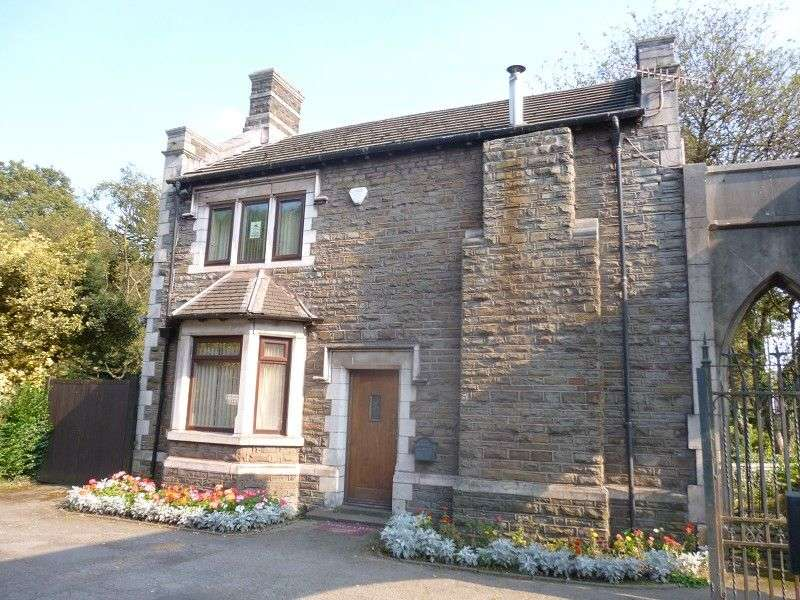 3 Bedrooms Detached House for sale in Talbot Park Lodge, Maes Y Cwrt Terrace, Port Talbot, Neath Port Talbot. SA13 1LE