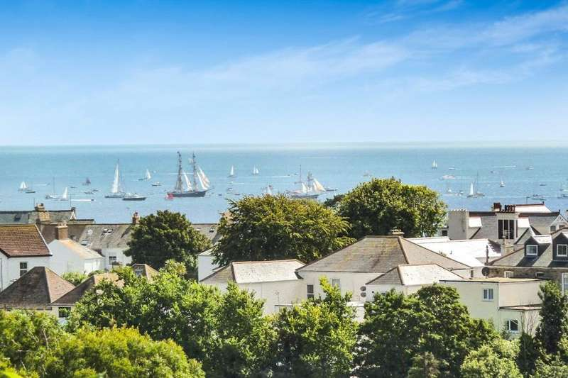 3 Bedrooms Flat for sale in Oakroyd, Woodlane, Falmouth