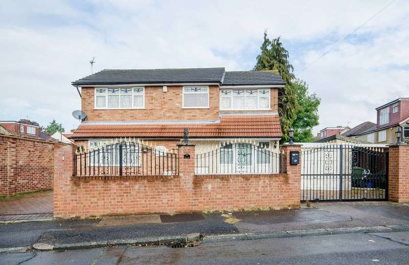 3 Bedrooms House for sale in Ivanhoe Drive, Harrow, HA3