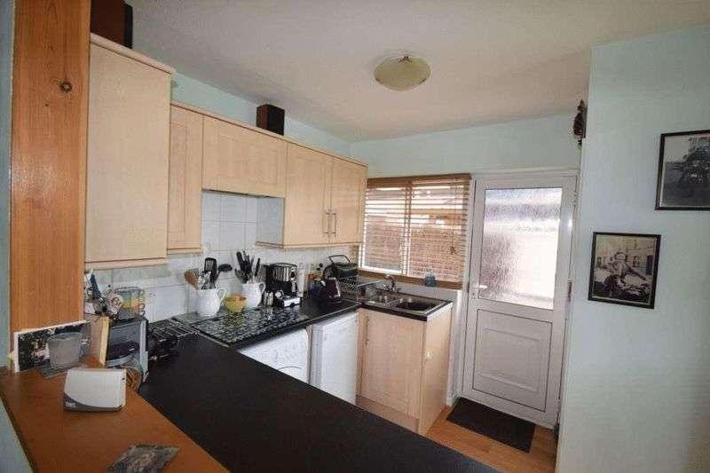 2 Bedrooms Semi Detached Bungalow for sale in Newton Way, Wallingford