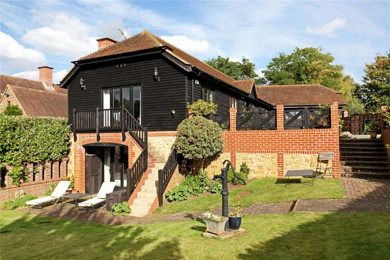 4 Bedrooms Detached House for sale in The Barns, Puttenham Lane, Shackleford, Godalming, GU8