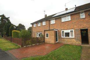 3 Bedrooms Terraced House for sale in Blackbridge Lane, Horsham, West Sussex