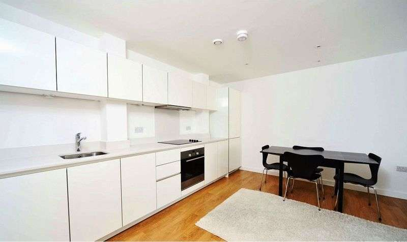 2 Bedrooms Flat for sale in Two Double Bedroom, Two Bathrooms
