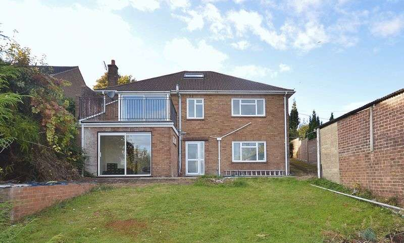 3 Bedrooms Detached House for sale in Bledlow Ridge