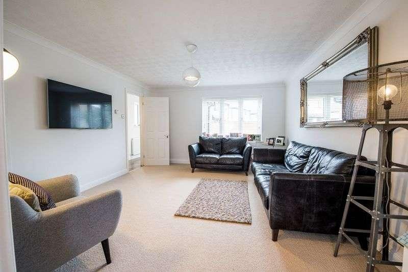 3 Bedrooms Detached House for sale in Batt Furlong, Aylesbury